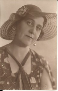 Irena Oberhard Felicka. Lata międzywojenne.
