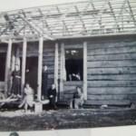 Budowa domu. Tarłowscy ok 1930r